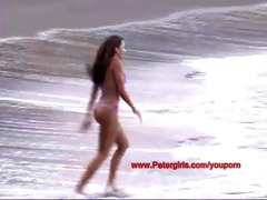 hawaiian bikini honey on the beach masturbating
