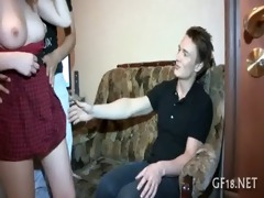chap bangs her